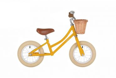 moonbug-balance-bike-yellow